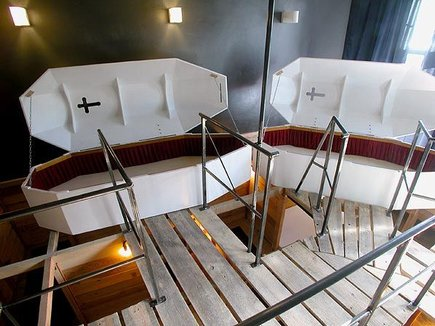 chambre-hotel-cercueil-vampire