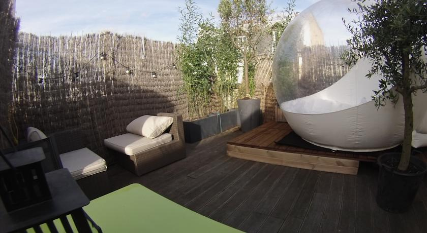Dormir la belle toile sur les toits de paris c 39 est possible avec bubb - Bulle pour dormir a la belle etoile ...