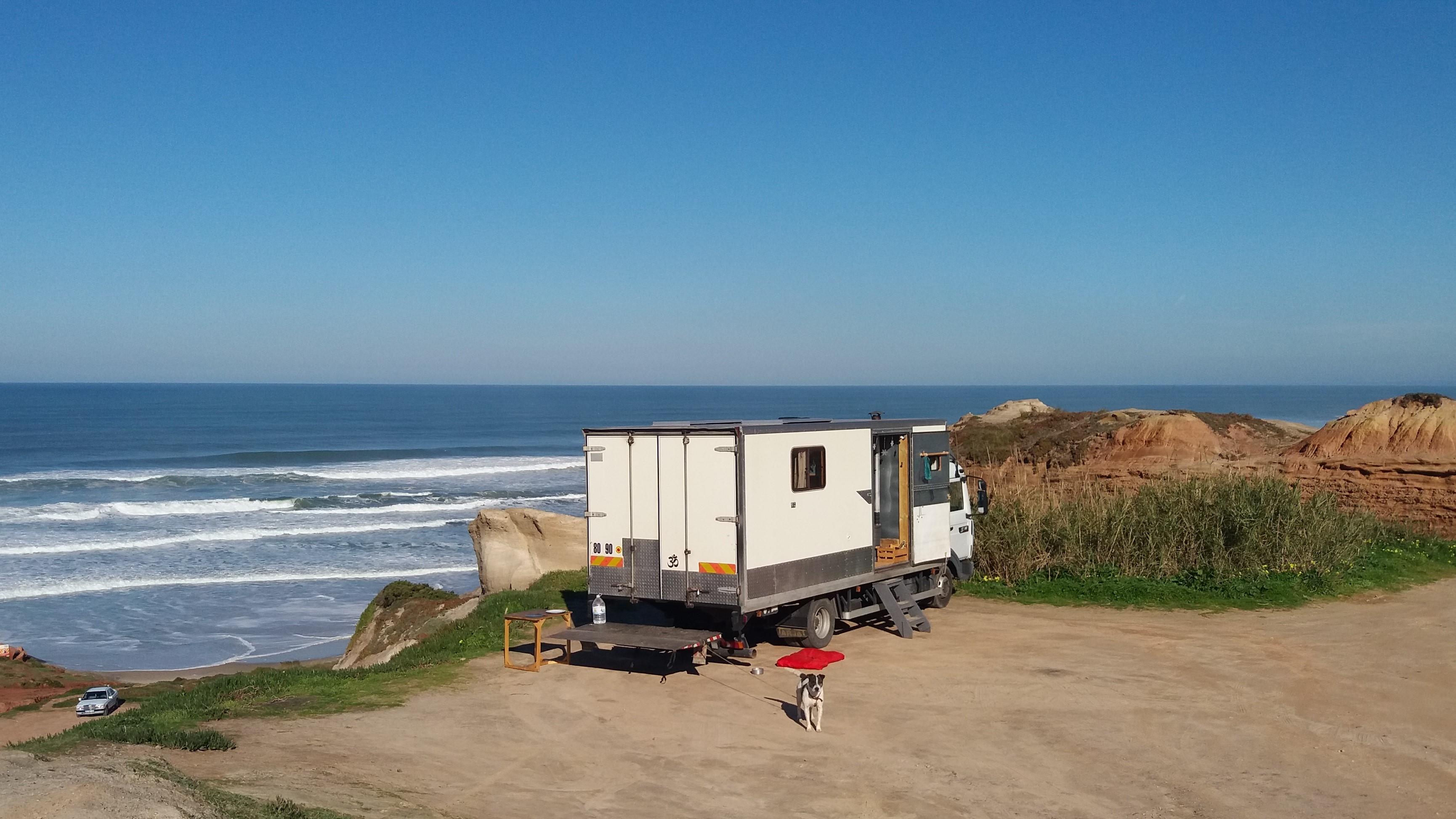 t moignage partir l 39 aventure bord d 39 un camion am nag. Black Bedroom Furniture Sets. Home Design Ideas